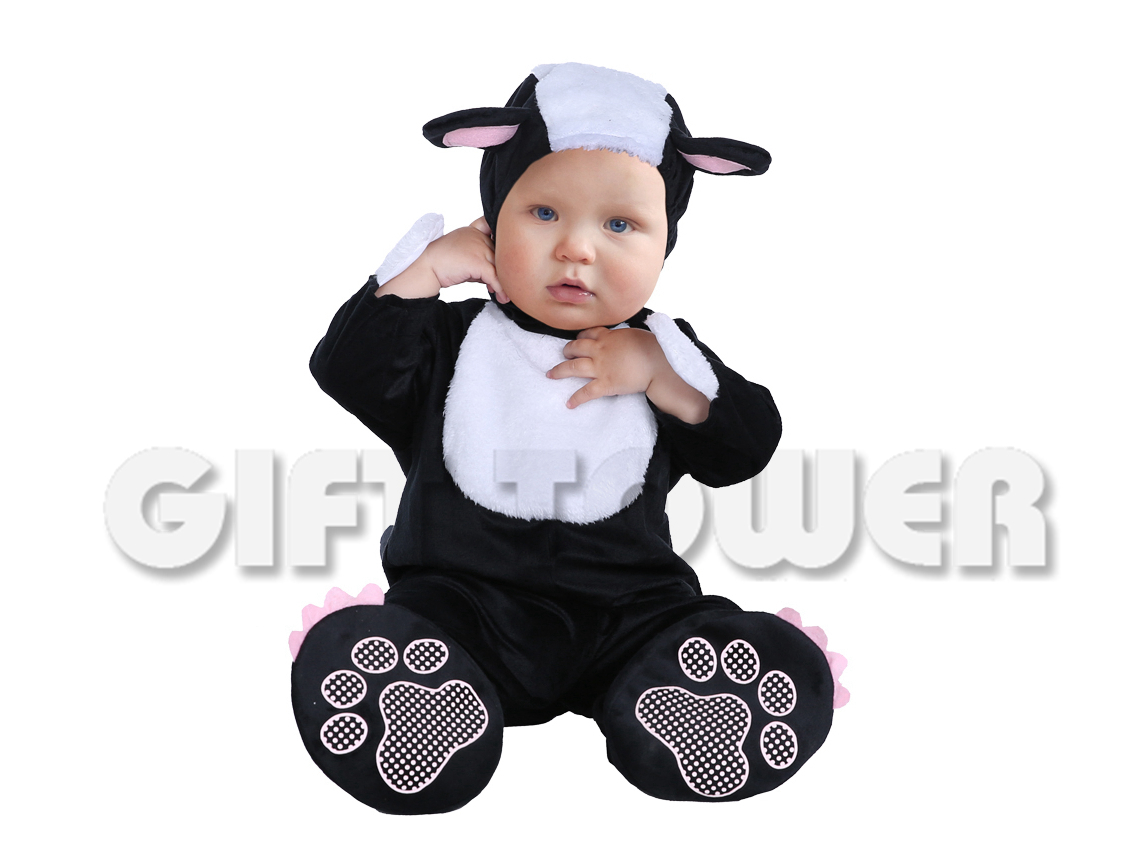 t-0004 little skunk baby gift tower-